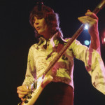 Chris Squire Playing the Bass